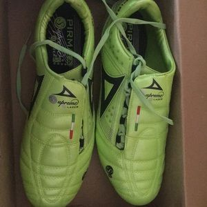 New Soccer cleats/ zapatos fútbol